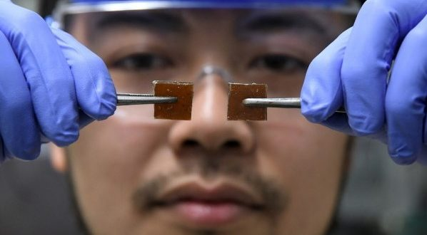 MUST SEE: Japanese Inventor Discovers Self Healing Glass Accidentally