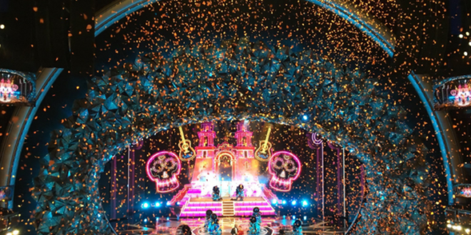 See Amazing Colorful Stage Of The #Oscars 2018